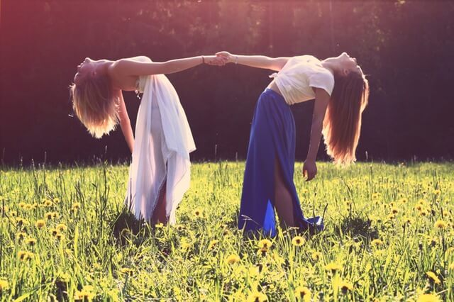 感受性が豊かになるメリット 深い絆と愛情で結ばれた人間関係を築くことができる